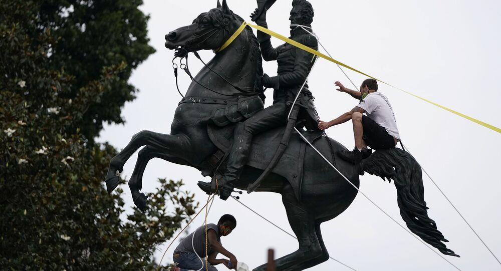 La statua di Andrew Jackson