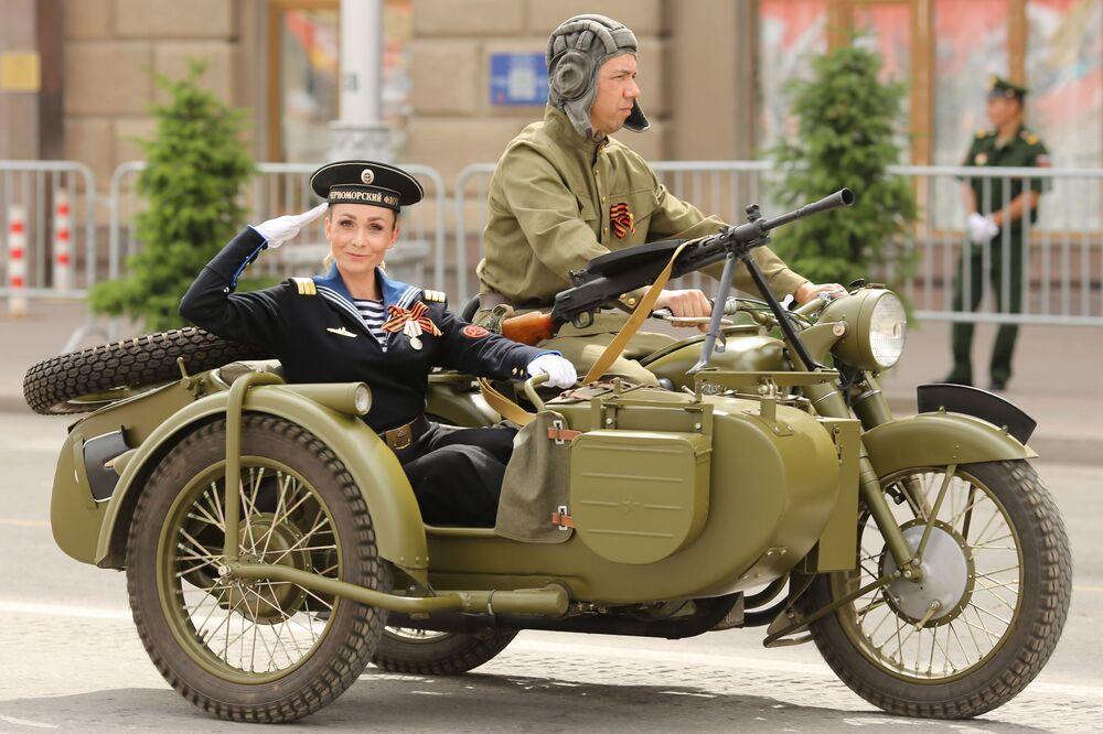 Alla parata militare per il 75esimo anniversario della Vittoria a Volgograd.
