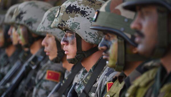 Esercito indiano e cinese - Sputnik Italia