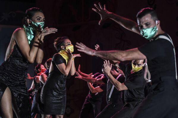 Alla XIVesima edizione del Festival internazionale di tango nel museo Metropolitan a Medellin, Colombia.  - Sputnik Italia