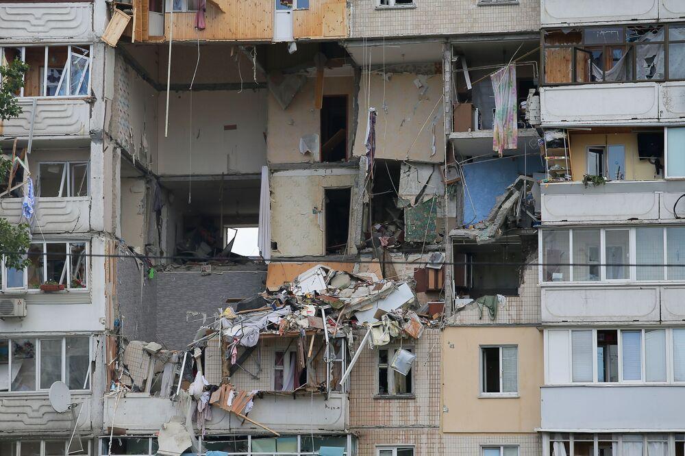 L'esplosione di gas in un palazzo residenziale a Kiev, Ucraina.
