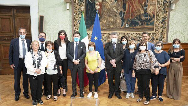 Conte incontra parenti vittime Thyssen  - Sputnik Italia