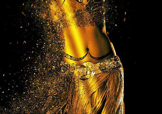Danzatrice del ventre (foto d'archivio)