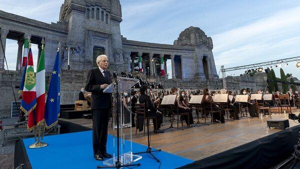 Il Presidente della Repubblica Sergio Mattarella in occasione della cerimonia di commemorazione dedicata alle vittime bargamasche del covid-19 - Sputnik Italia