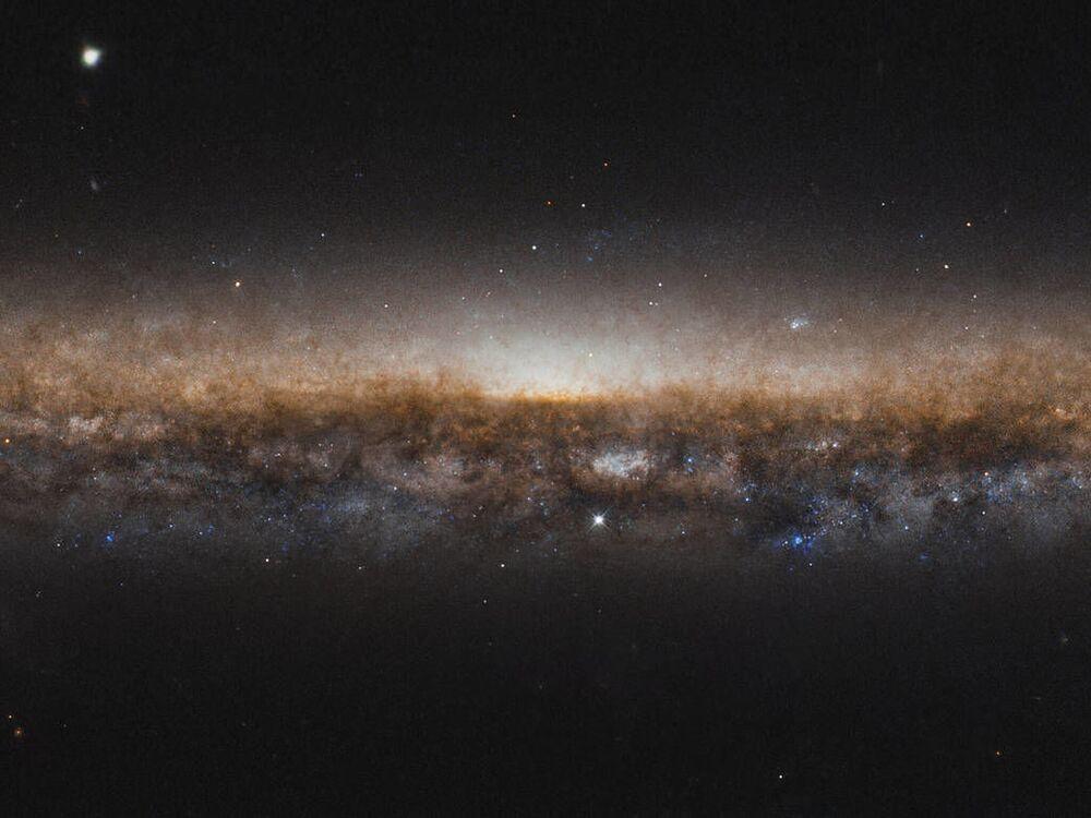 La Galassia a spirale NGC 5907 catturata dal telescopio spaziale Hubble