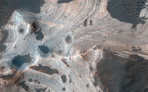 La spettacolare vista del paesaggio marziano dall'alto - Sputnik Italia