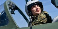 Voli di addestramento di donne cadetto dell'Accademia aeronautica di Krasnodar, Russia
