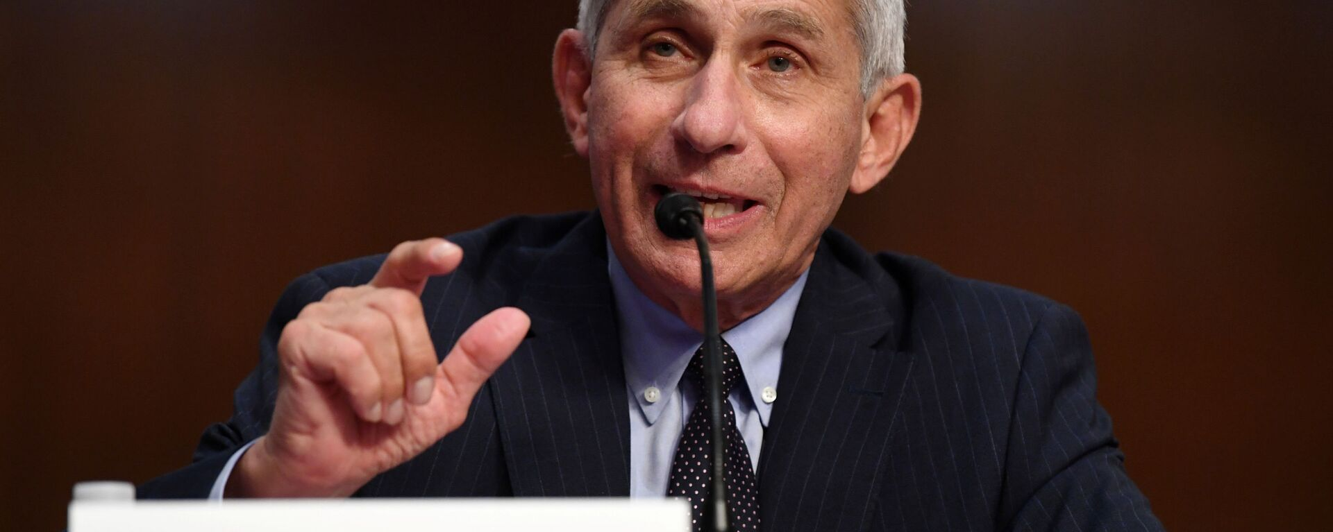 Dr Anthony Fauci, director of the National Institute for Allergy and Infectious Diseases, testifies during a Senate Health, Education, Labor and Pensions (HELP) Committee hearing on Capitol Hill in Washington, U.S., June 30, 2020. - Sputnik Italia, 1920, 01.07.2020