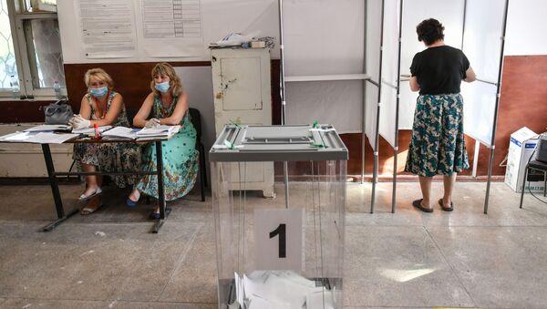 Un seggio in Russia - Sputnik Italia