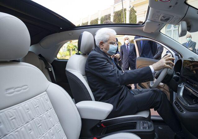 Presentata al Presidente della Repubblica Sergio Mattarella la nuova Fiat 500 elettrica di Fca