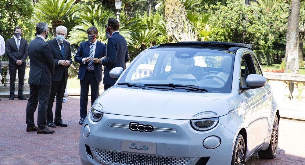 Nuova Fiat 500 elettrica presentata da Fca al Presidente della Repubblica