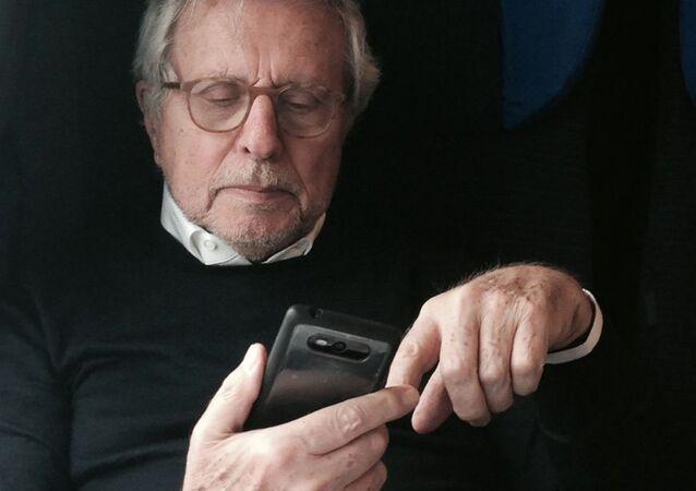 Carlo Flamigni, luminare della fecondazione assistita, medico, ginecologo, scrittore, figura di riferimento in Italia e all'estero sulle tecniche di procreazione assistita e sulla fertilità.