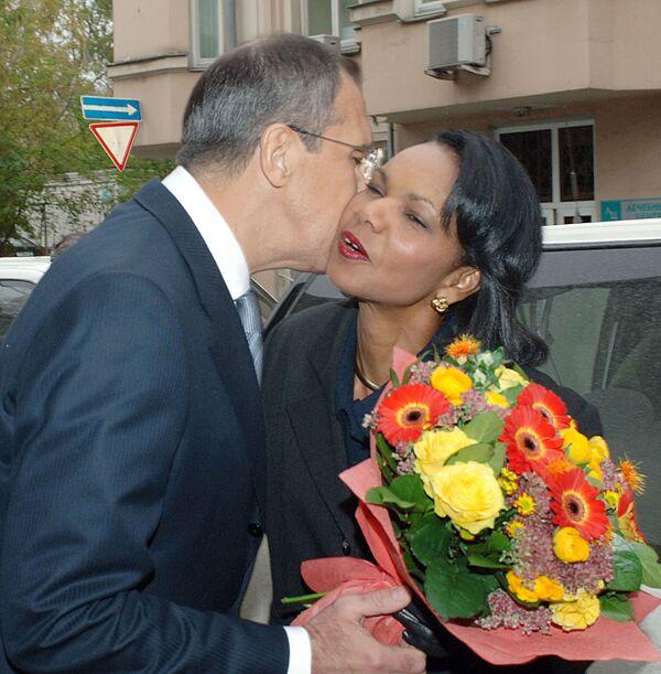 Il Ministro degli Esteri russo Sergei Lavrov e il Segretario di Stato americano Condoleezza Rice durante un incontro a Mosca, 2006 - Sputnik Italia