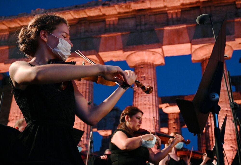 A Paestum «Le vie dell'Amicizia» raggiungono la Siria e ne ricordano anche il patrimonio di arte e cultura custodito in siti come Palmira, gravemente danneggiato dalle sistematiche distruzioni del terrorismo