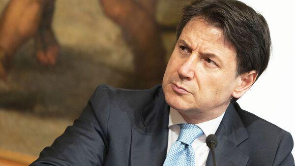 Il Presidente del Consiglio, Giuseppe Conte, in conferenza stampa sul DL Semplificazioni - Sputnik Italia
