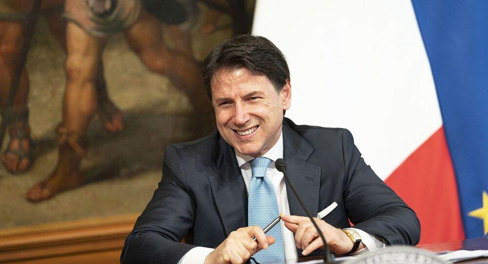 Il Presidente del Consiglio, Giuseppe Conte, in conferenza stampa sul DL Semplificazioni.