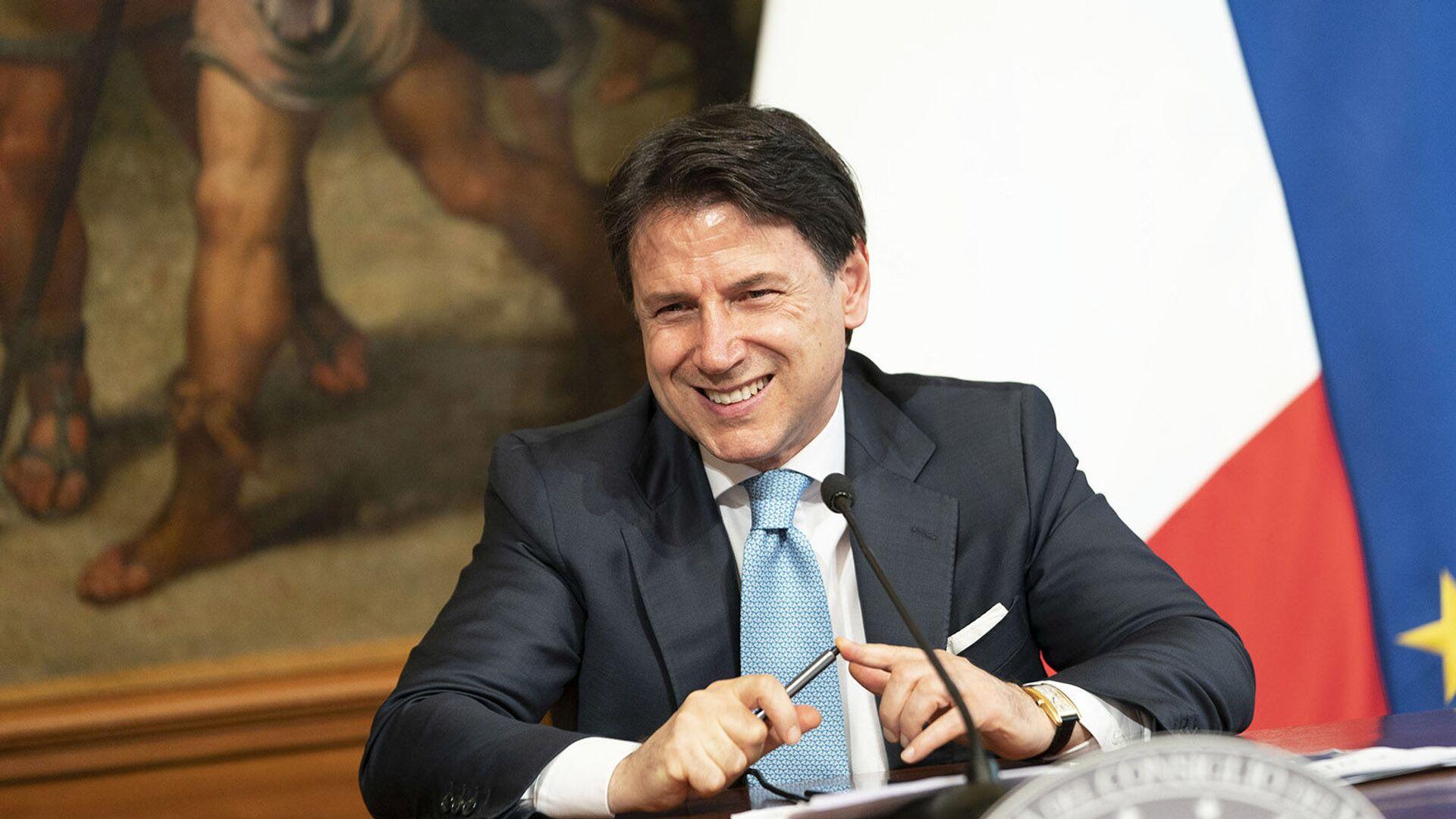 Il Presidente del Consiglio, Giuseppe Conte, in conferenza stampa sul DL Semplificazioni - Sputnik Italia, 1920, 08.06.2021