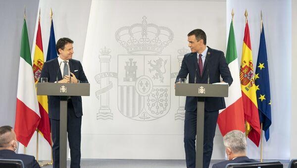 Il Presidente del Consiglio, Giuseppe Conte, ha incontrato a Madrid il Presidente del Governo spagnolo Pedro Sánchez - Sputnik Italia