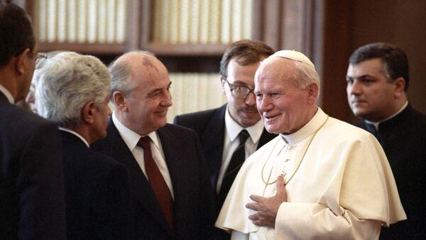 Papa Giovanni Paolo II in una foto di repertorio - Sputnik Italia