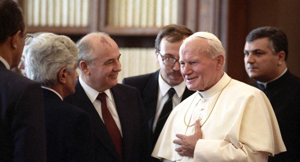 Papa Giovanni Paolo II in una foto di repertorio
