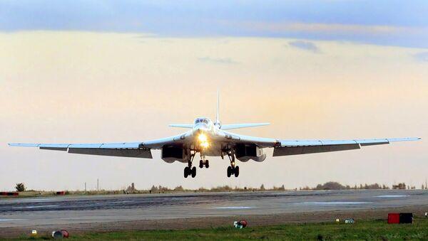 Bombardiere strategico supersonico modernizzato Tu-160 Blackjack - Sputnik Italia