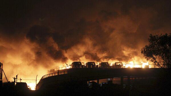 L`incendio provocato dall'esplosione a Tanjin cinese - Sputnik Italia