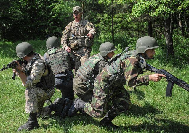 Addestramento soldati ucraini