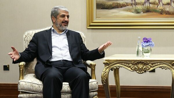 Russian Foreign Minister Sergei Lavrov, right, during a meeting with Chairman of the Hamas Political Bureau Khaled Mashal in Doha - Sputnik Italia