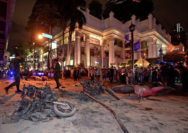 Dopo l'esplosione vicino al santuario Erawan a Bangkok, il 17 agosto, 2015