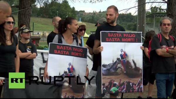 Proteste a Siena contro il Palio - Sputnik Italia