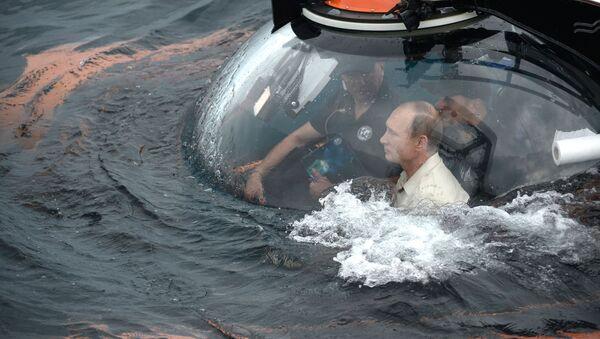 Putin immerge nel mar Nero - Sputnik Italia