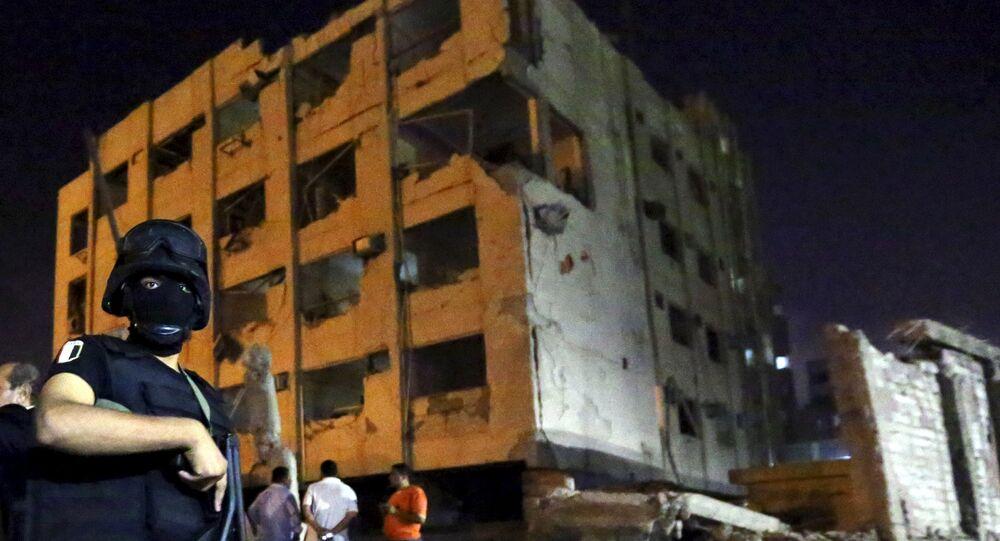 Colpito il Palazzo della Sicurezza Nazionale. Si contano 29 feriti, tra cui sei agenti di polizia.